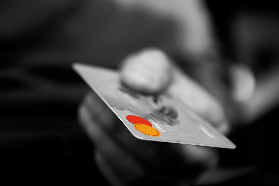 Como Escolher Sua Máquina de Cartão com Menor Taxa?