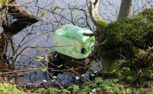 Lixo em rios