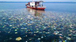 Lixo na água