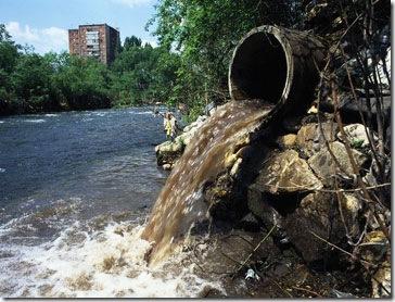 Poluição dos Rios pelas Industrias