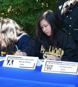 Melany Chong signs her NLI
