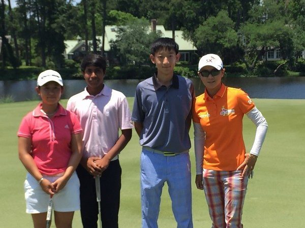 Students join LPGA member Na Yeon Choi for nine holes