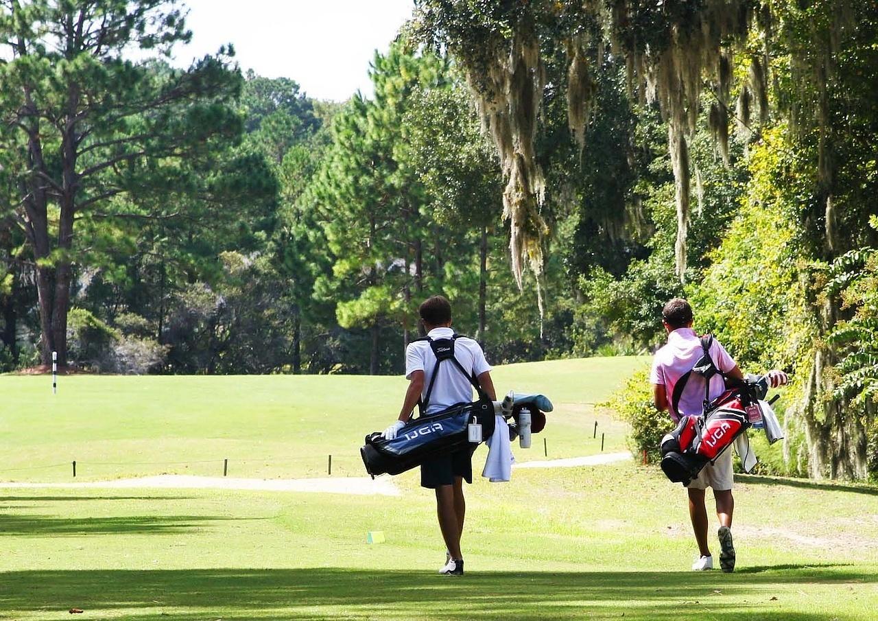 Should Junior Golfers Participate in Tournaments?