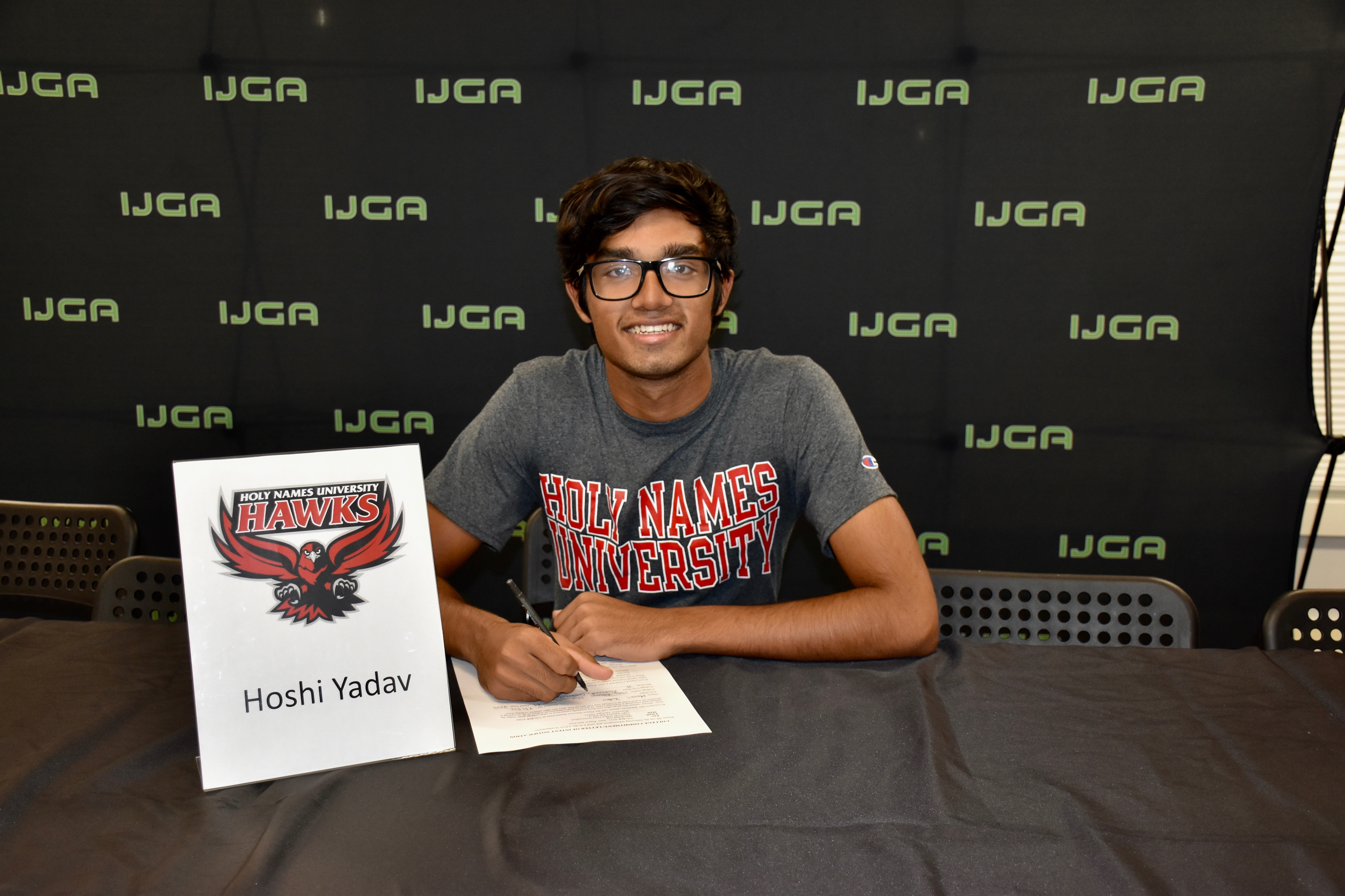 Hoshi Yadav Commits to Holy Names University Men's Golf Team