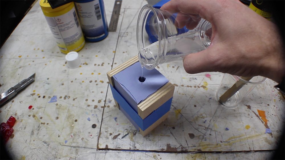 mold_making_19_pour_urethane_resin