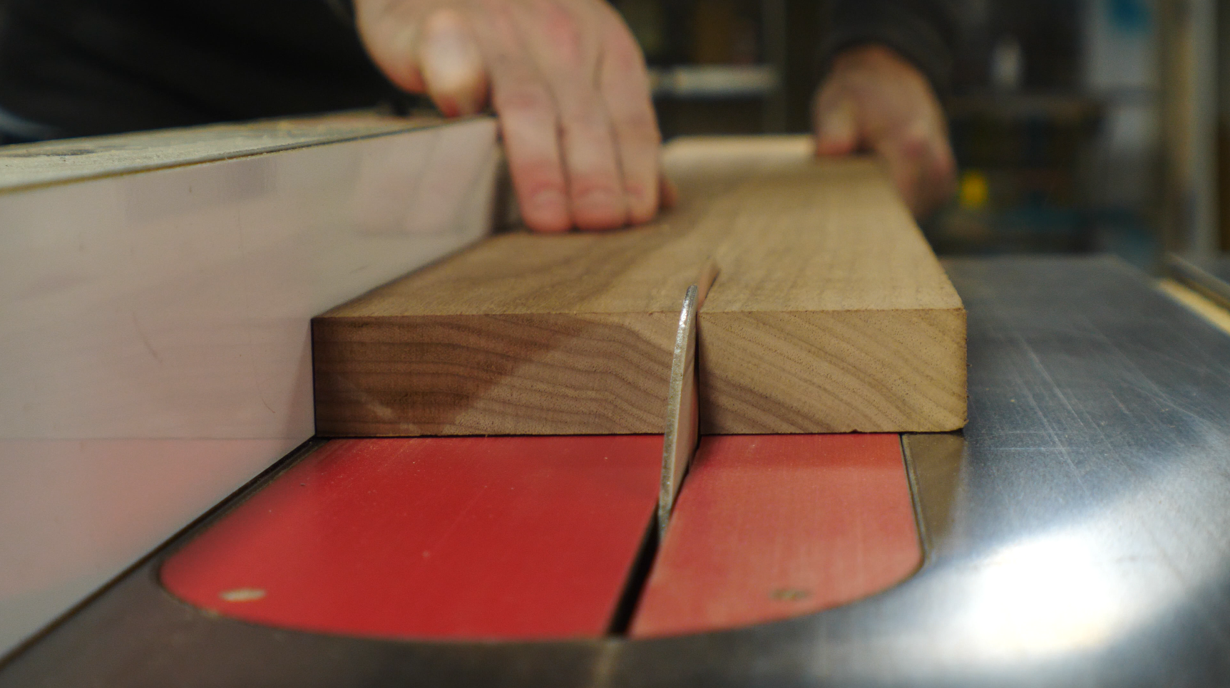 how to make a picture frame / using a table saw