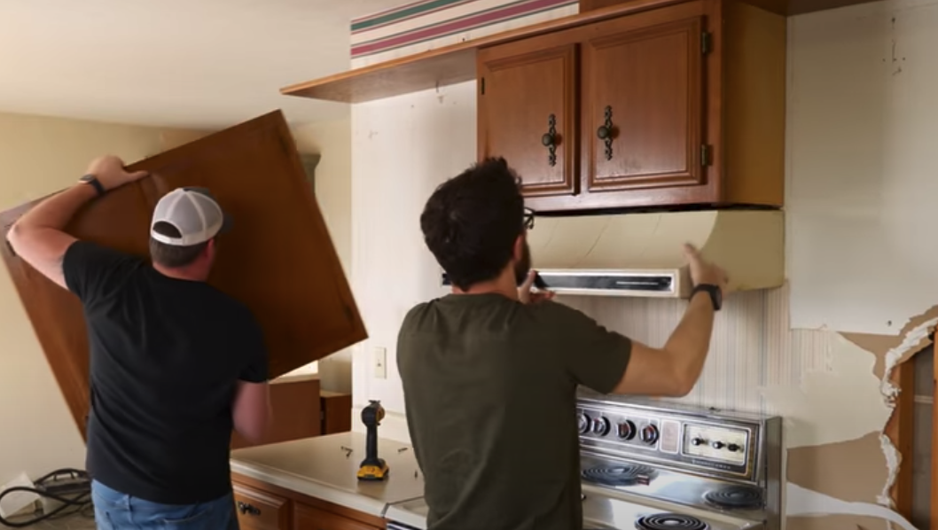 Should You Remodel A Kitchen By Yourself?