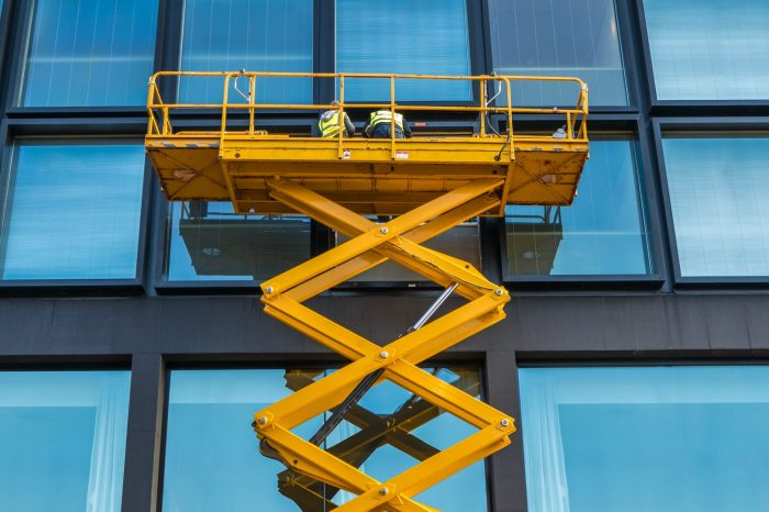 ESSENTIAL 29: Aerial and Scissor Lift Safety