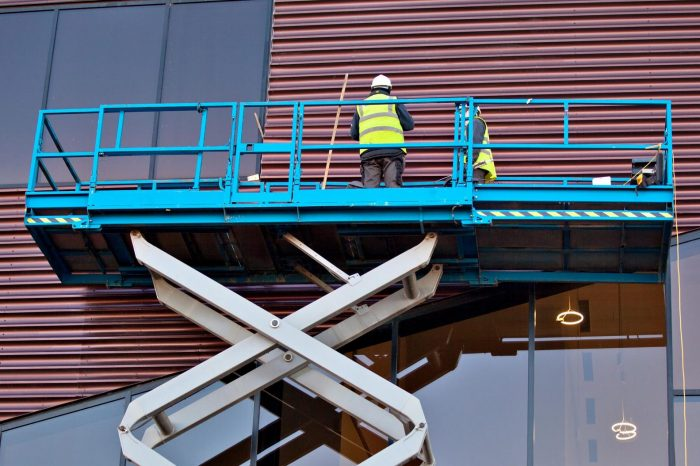 Aerial and Scissor Lift Safety - SPANISH