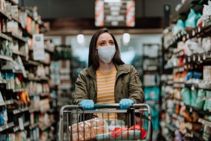 Coronavirus Safety Advice While Shopping Infographic - Spanish