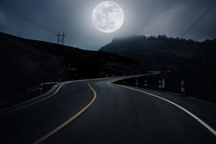 Driving in the Dark - Spanish