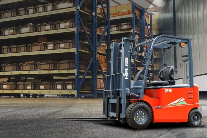Don't Treat Forklifts Lightly - Spanish