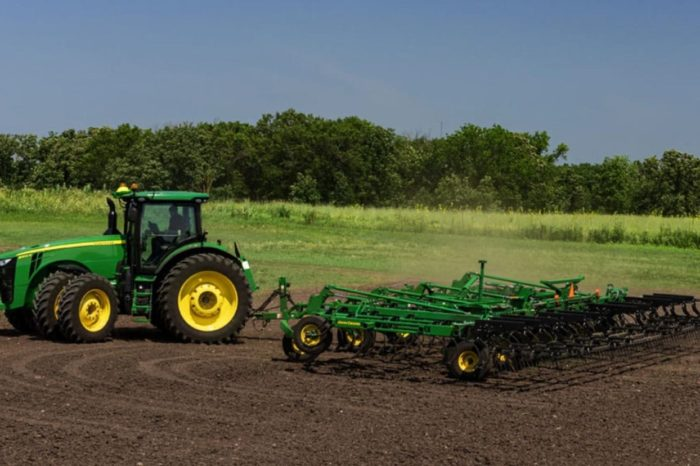 Farm Machinery and Left-Hand Turns Safety Talk