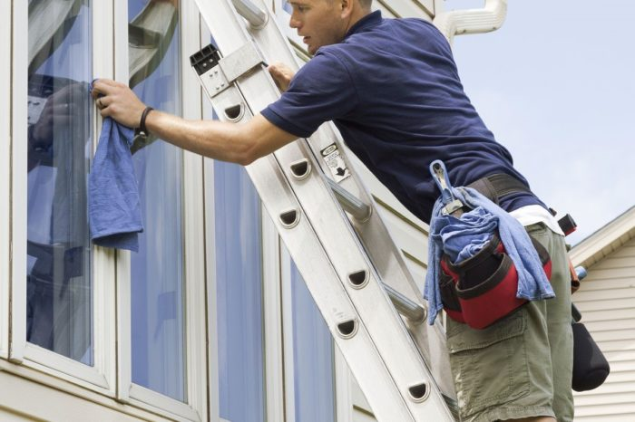 Using Ladders Safety - SPANISH