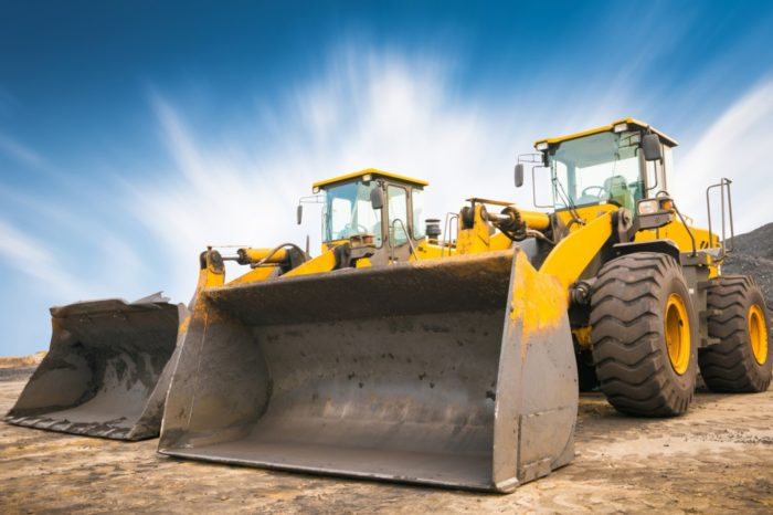 Mounting and Dismounting Heavy Equipment