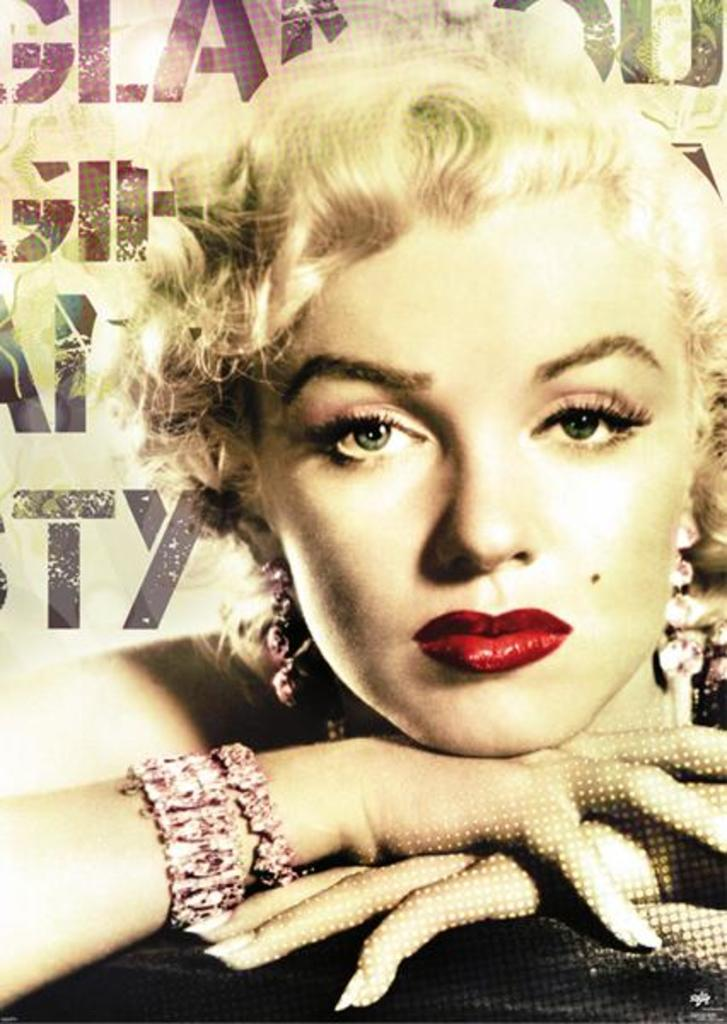Marilyn Monroe Glamour Close Up Red Lips Hollywood Blonde Icon ...