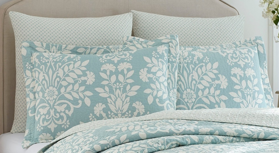 An Elegant Laura Ashley Bedding Quilt Cover Set Buyma