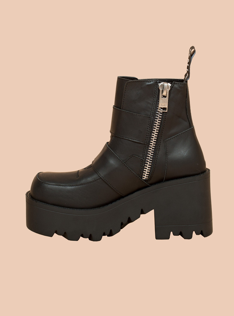 see unif clothing boots synapse boot buyma