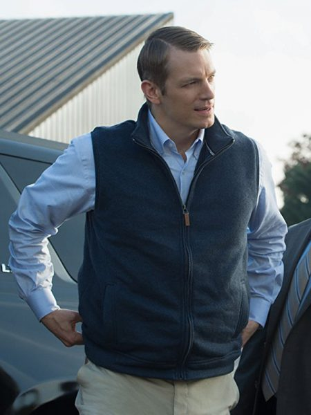 House of Cards Joel Kinnaman Vest