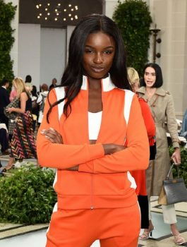 leomie-anderson-at-tory-burch-fashion-show-in-nyc-4_thumbnail