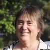 Linda_outdoor_headshot