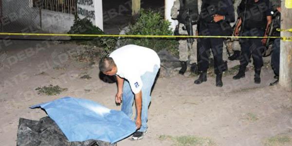 Borrachos asesinan a machetazos y golpes a un joven en Piura