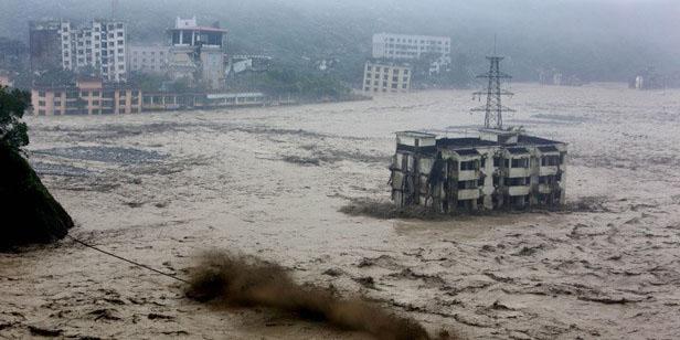 China: Decenas de muertos y medio millón de afectados por inundaciones