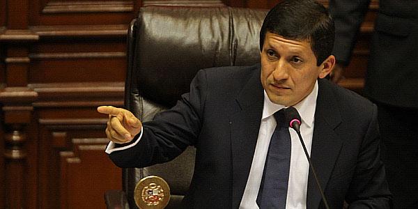 Víctor Isla niega entrega de víveres como campaña política para el 2016