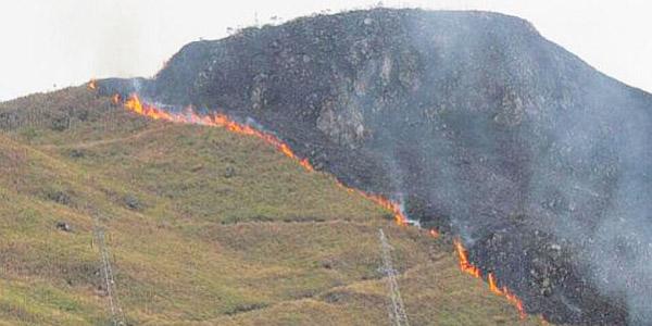 Cusco: incendio arrasó pastizales de cerro adyacente a Machu Picchu