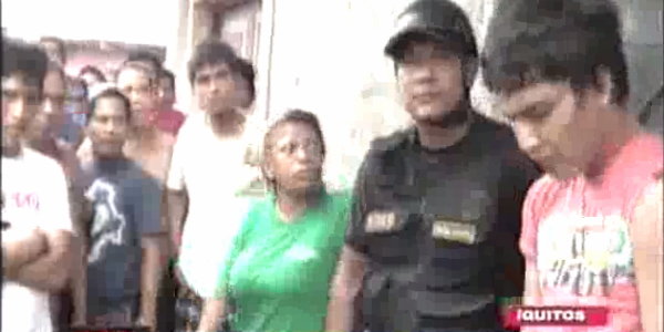 Iquitos: pobladores capturan y golpean a sujeto que robaba a escolares