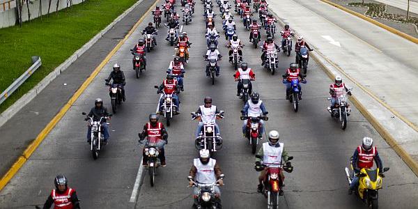Congestión vehicular en Lima: Ciudadanos apuestan por motocar y motocicletas