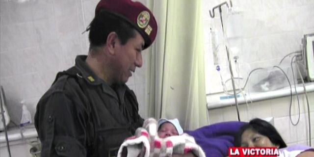 La Victoria: bebé nació en el interior de patrullero del Escuadrón de Emergencia