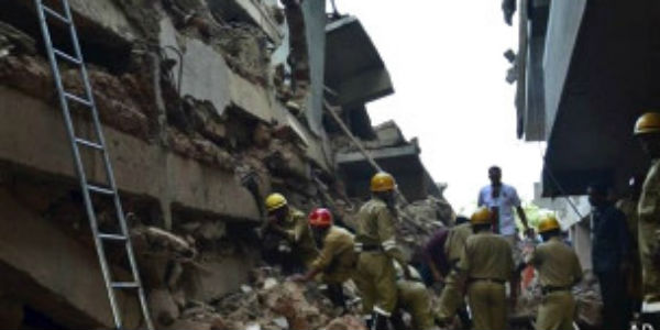India: 13 personas mueren al colapsar un edificio en Goa
