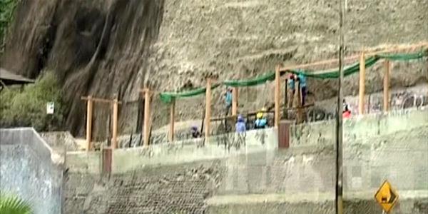 Clausuran tramo de la Costa Verde tras peligroso deslizamiento de piedras