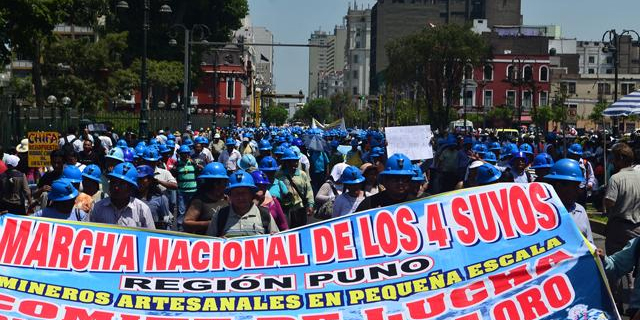 Sin acuerdos: Mineros se niegan a movilizarse hacia la Plaza Dos de Mayo