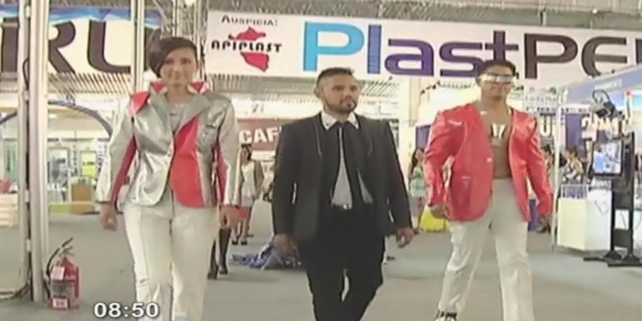 Presentan singular propuesta de moda reciclable en feria 'Expo Plast Perú 2014'
