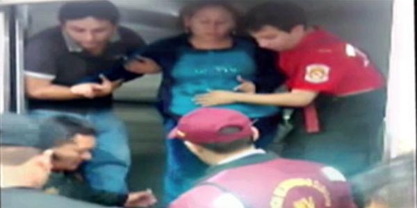 Mujer embarazada queda atrapada una hora en ascensor de galería en Gamarra
