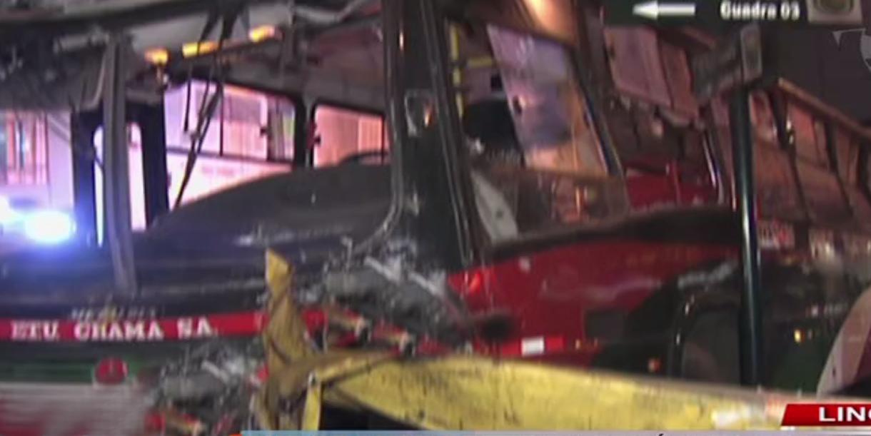 Aparatoso choque entre buses de transporte público dejó 20 heridos en Lince