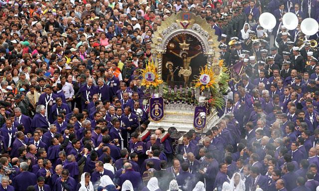 El Señor de los Milagros inicia mañana su primer recorrido procesional