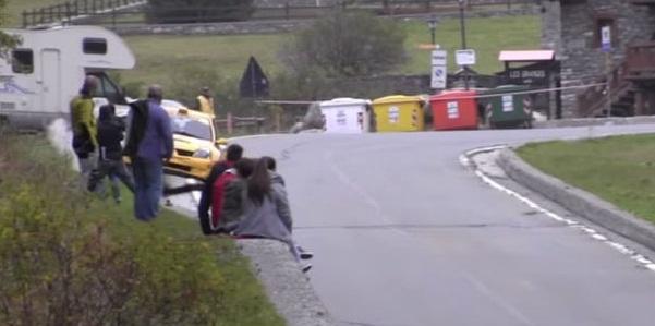 Italia: espectadores salvan de morir en impactante accidente de rally