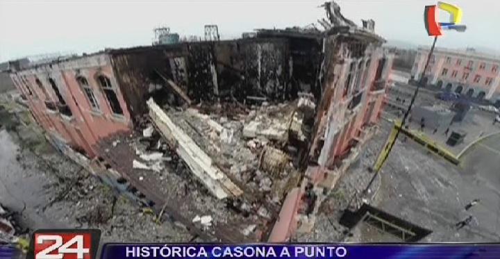 Cercado de Lima: histórica casona está a punto colapsar tras voraz incendio