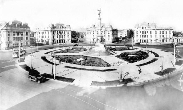 Conozca más sobre los edificios históricos que rodean la Plaza Dos de Mayo