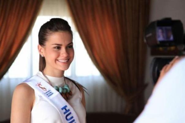 Reina de belleza dice que Nelson Mandela fue quien inició los concursos