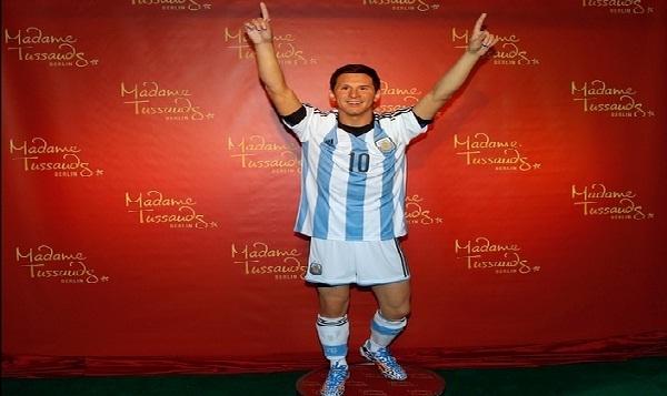 Berlín: elaboran espectacular estatua de cera de Lionel Messi