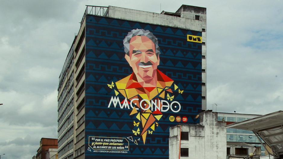 "Gabriel García Márquez: Bogotá rinde homenaje a escritor con mural ""Macondo"""