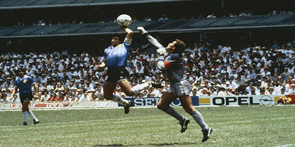 """Diego Armando Maradona : se cumplen 29 años de """"La mano de Dios"""""""