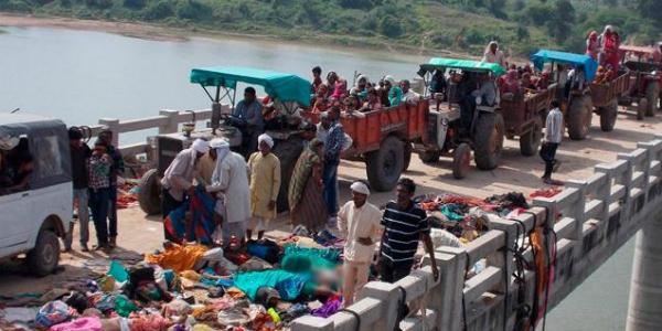India: 22 muertos tras estampida humana en festival hindú