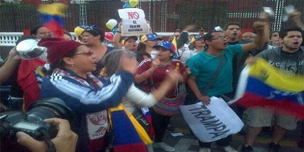Realizan protesta frente a embajada de Venezuela por sentencia a Leopoldo López