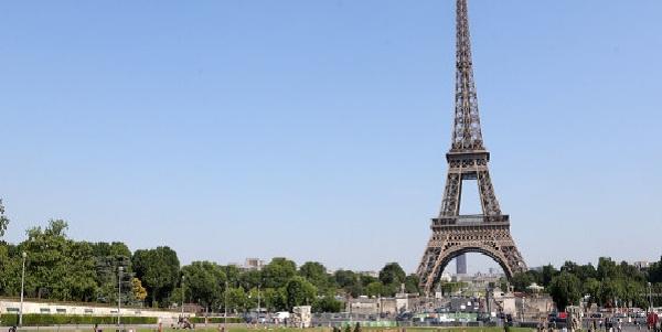 Francia: Torre Eiffel cumple 130 años de su inauguración