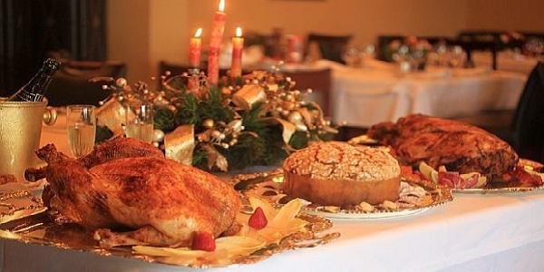 Recomendaciones para superar la indigestión tras la cena navideña